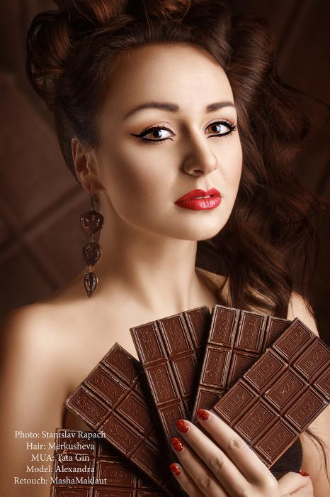 девушка с шоколадом фото